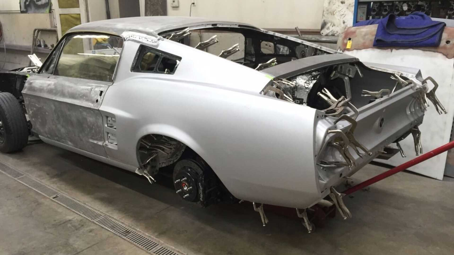 """[""""1967 Ford Mustang""""]"""