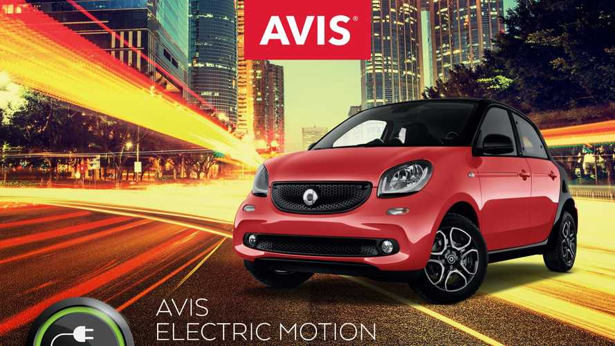 Noleggio auto elettrica, Avis sceglie smart EQ forfour