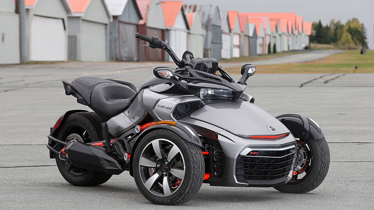 Can Am Roadster >> Tire Roasting Roadster The 2015 Can Am Spyder F3