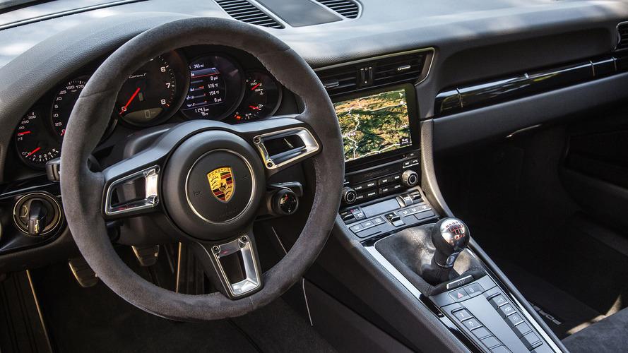 Porsche promete manter volante, pedais e câmbio manual para sempre