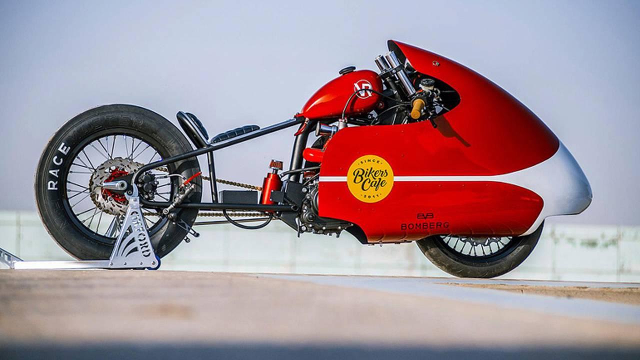 Dubai's VR Customs Builds Blown Pizza Delivery Bike