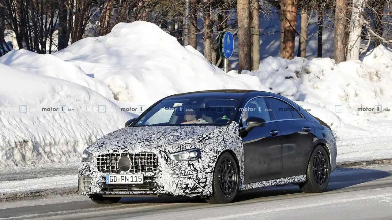 2021 Mercedes-AMG CLA 45 casus fotoğraf