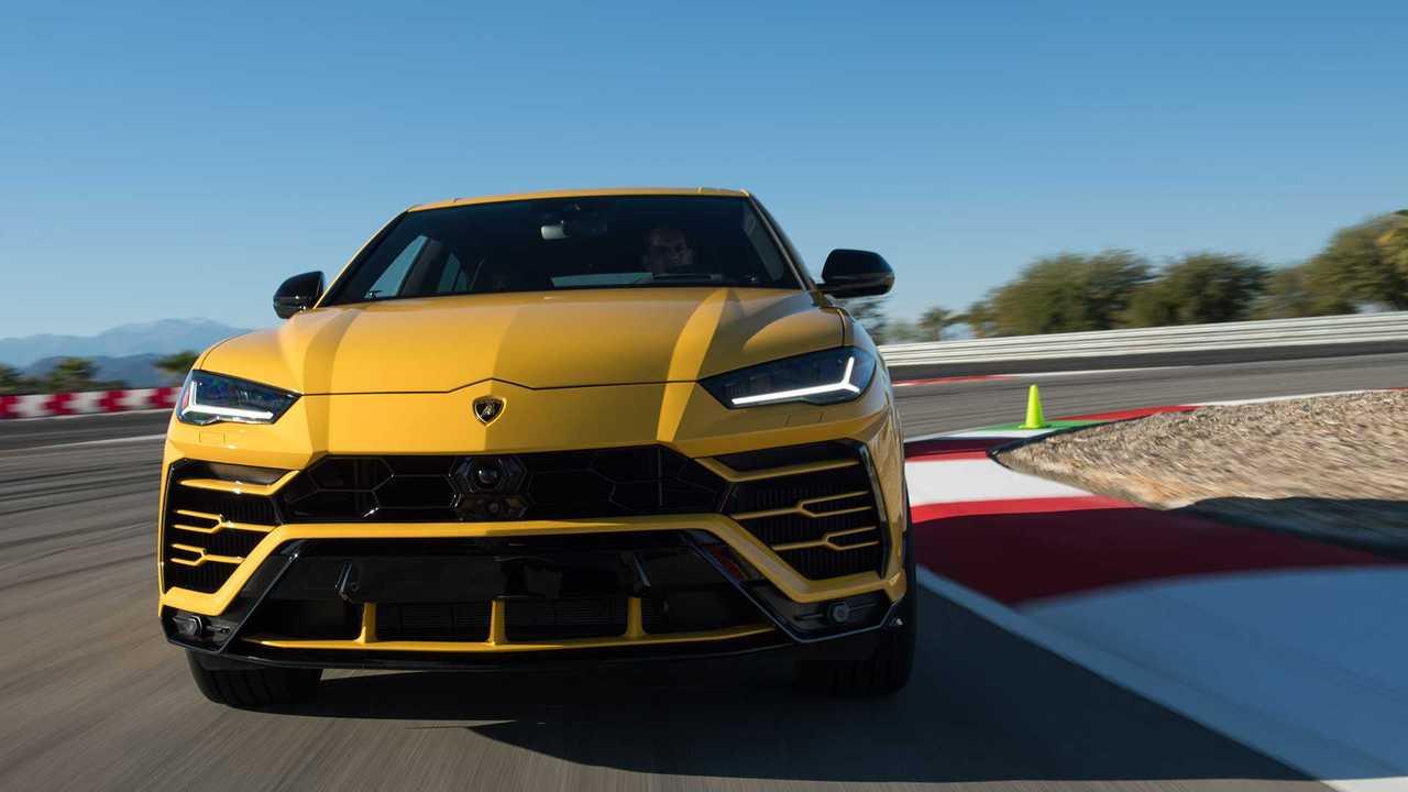 2019 Lamborghini Urus: İlk Sürüş