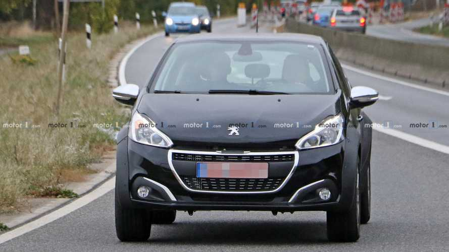 Peugeot small SUV 1008 test mule