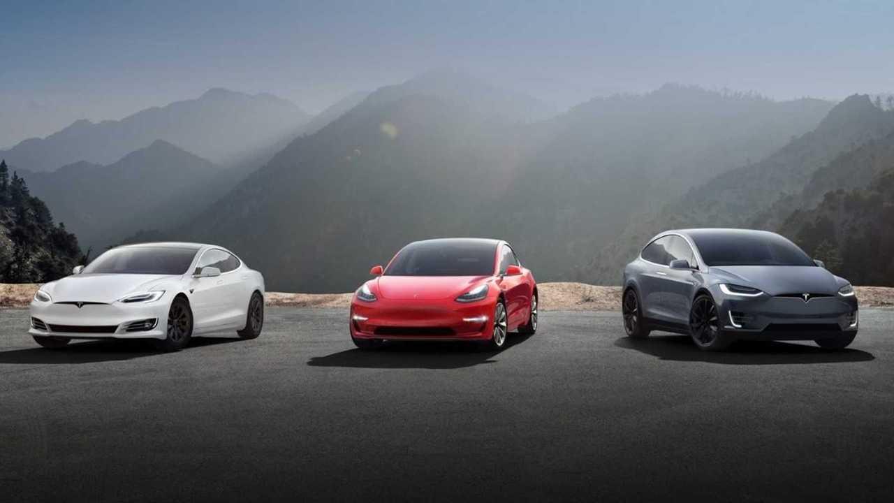 Tesla'nın Tüm Modelleri Bir Arada (Model 3, Model S ve Model X)