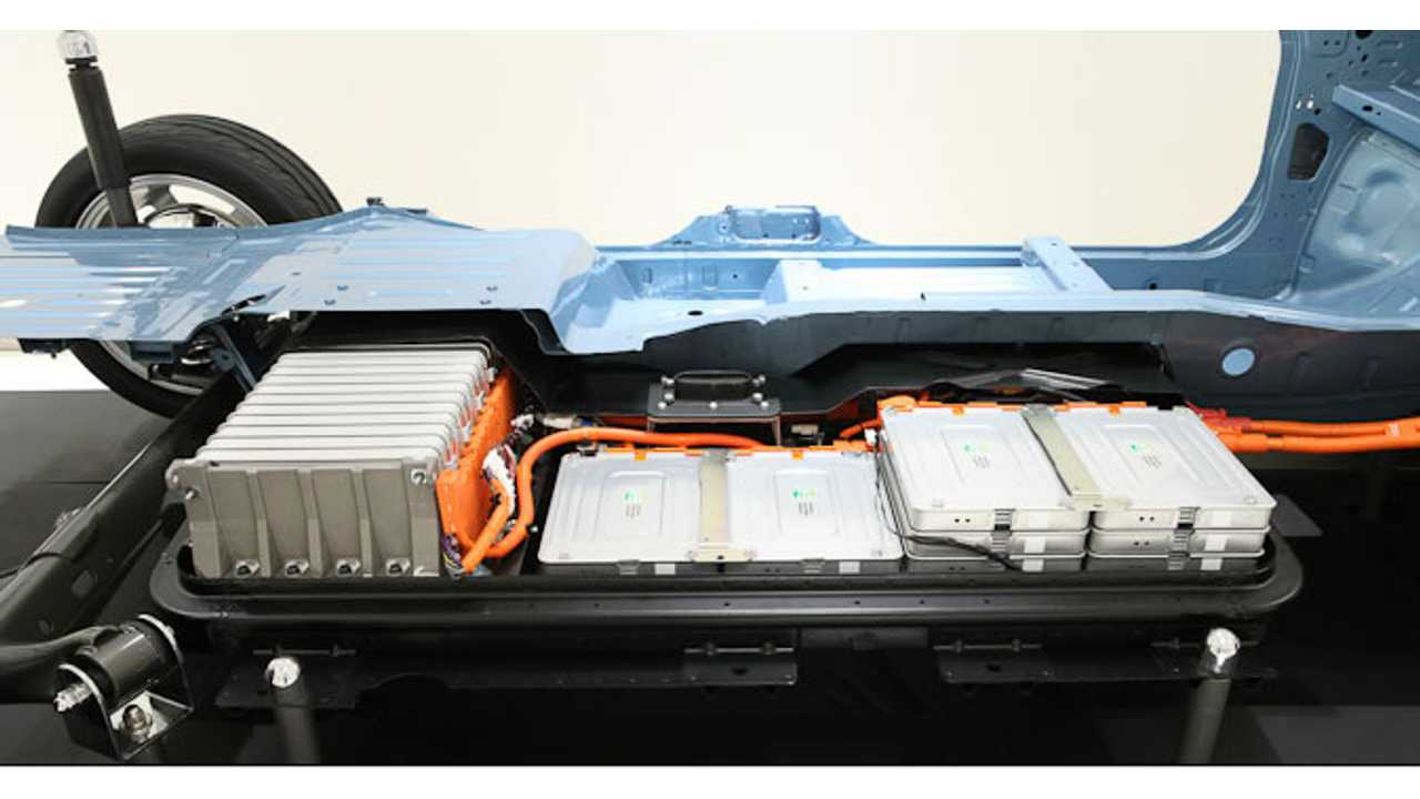 Nissan LEAF's 24 kWh Battery Pack Now Comes With A Much-Anticipated Warranty (2011-2012 pack shown)