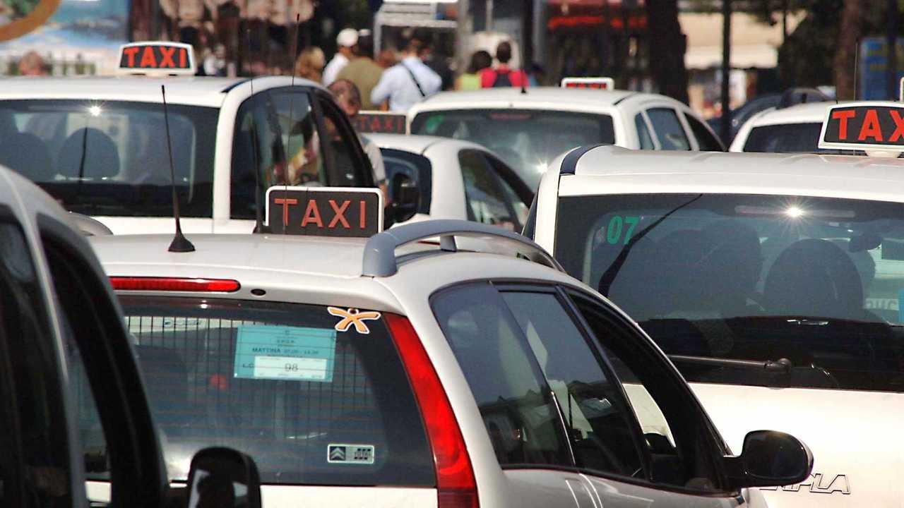Taxi e NCC, il Governa pensa a un Tavolo tecnico per l'accordo