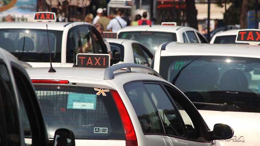 DL Semplificazioni, tassisti e NCC possono noleggiare il veicolo