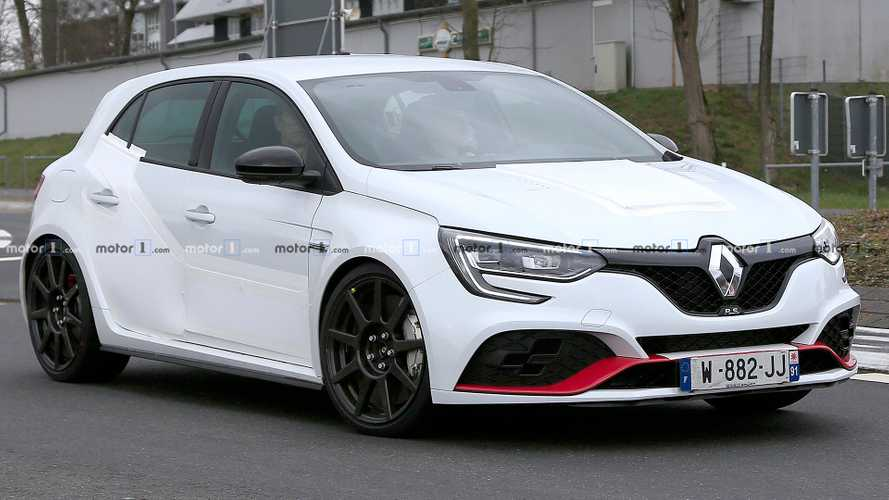 Renault Megane RS Trophy-R spied lapping Nürburgring