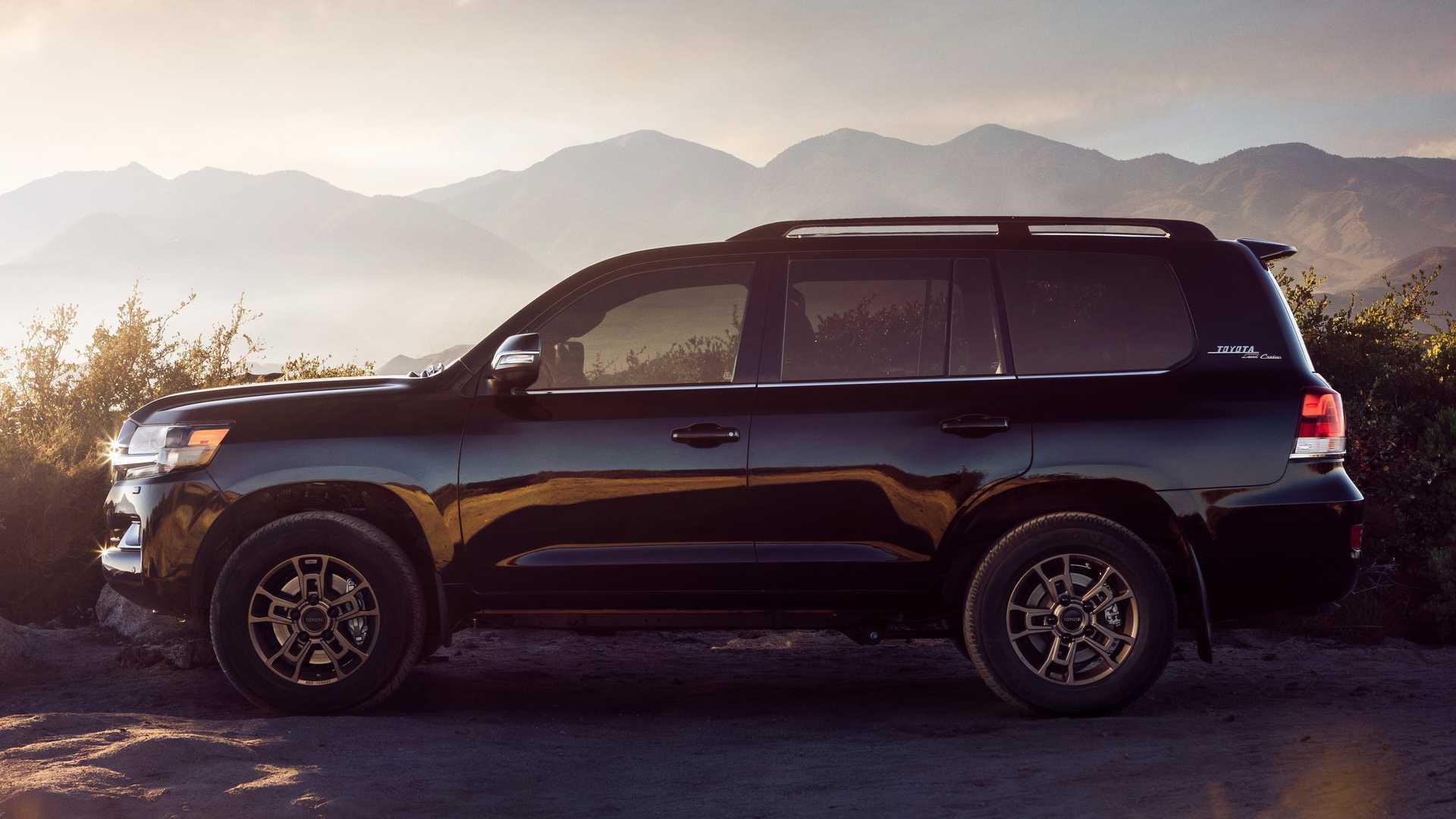 2020 Toyota Land Cruiser Performance