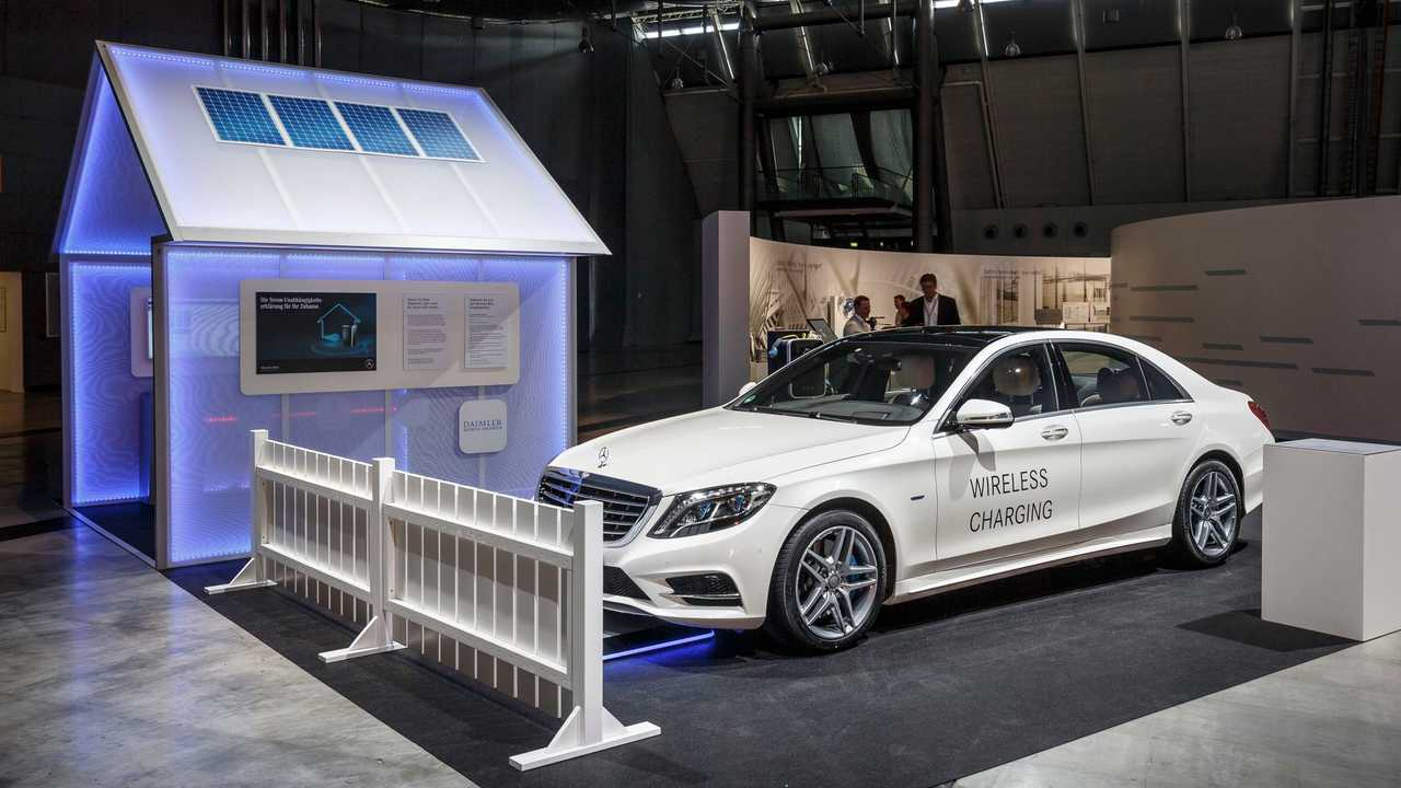 The Mercedes S550e (S500e internationally) is the first production EV to get wireless charging this year (as an option)