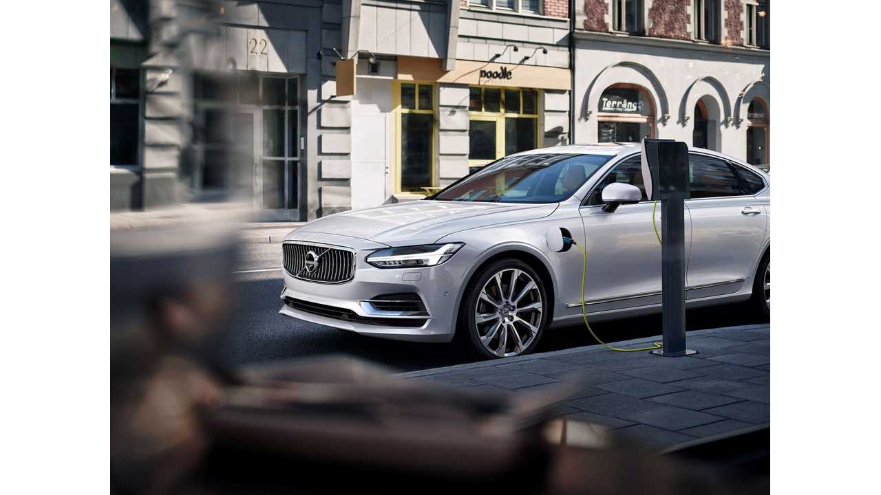 Volvo Debuts S90 Sedan, With T8 Plug-In Hybrid Option