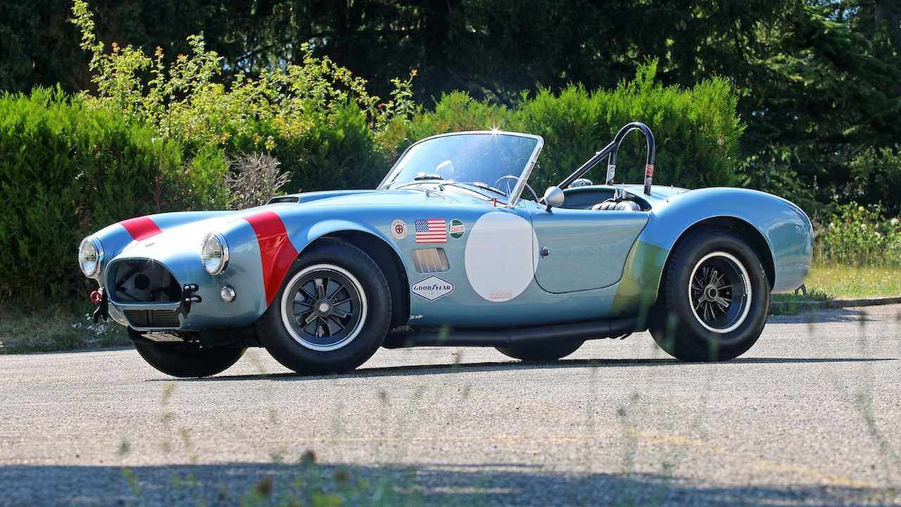 Rare 1997 racing AC Cobra going on sale in France