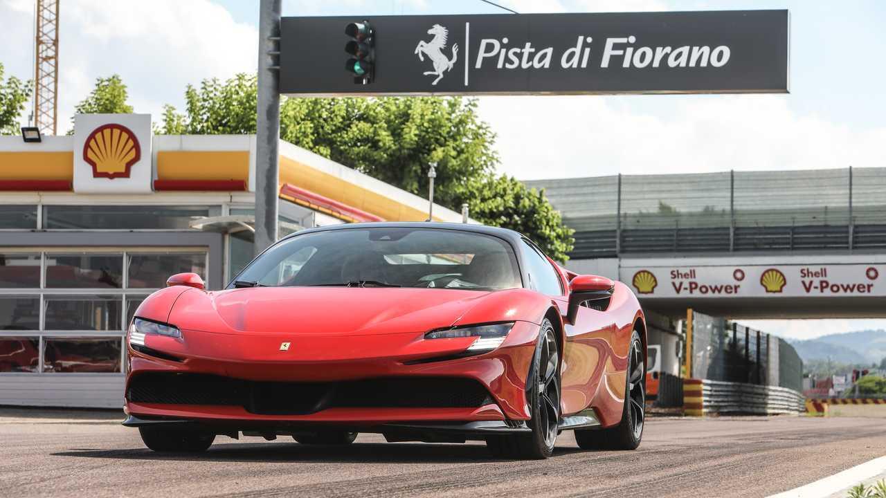 Ferrari SF90 Stradale: İlk Sürüş