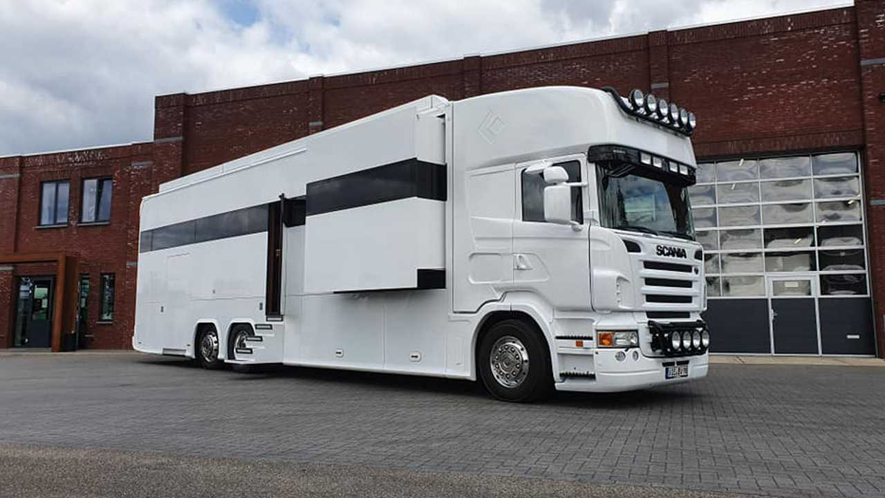 Amazing Scania Rv Has Three Bedrooms With Garage And Posh Interior