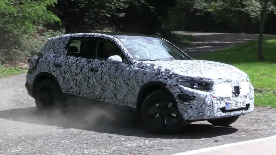 2022 Mercedes-Benz GLC caught testing on public roads in spy video