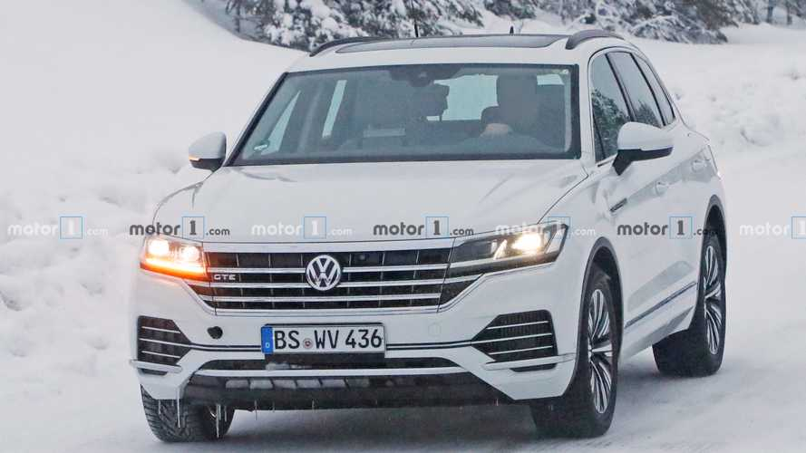 Volkswagen Touareg GTE spy photos