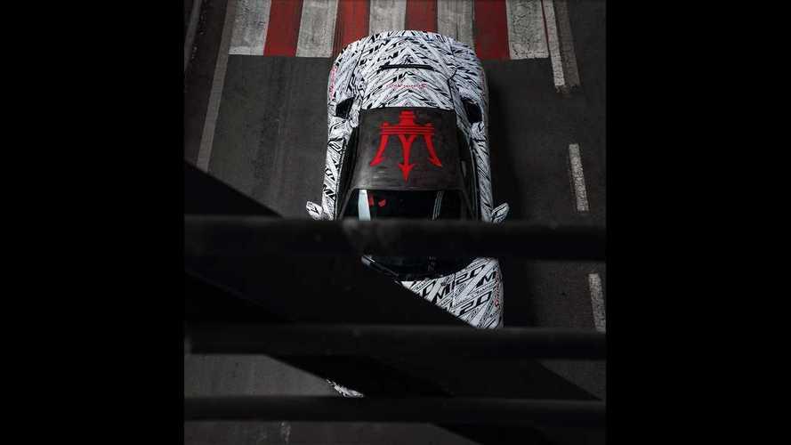 Прототип Maserati MC20 в честь Стирлинга Мосса