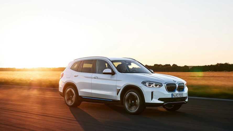BMW'nin ilk elektrikli crossover modeli iX3 tanıtıldı