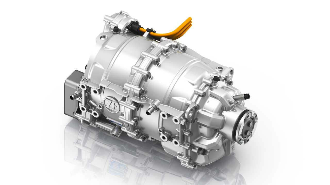 ZF CeTrax electric central drive for commercial vehicles