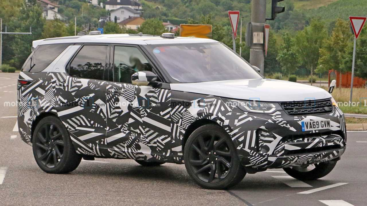 Land Rover Discovery Spy Photos Front 3/4