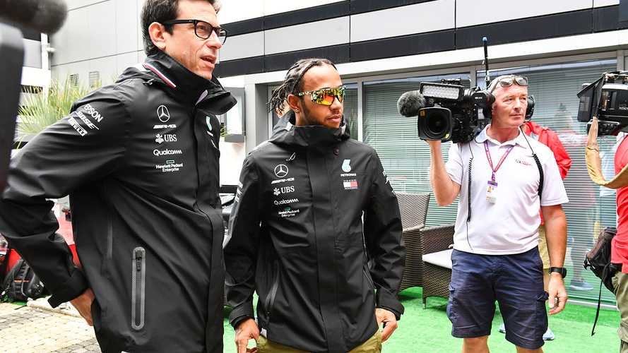 Wolff calls Hamilton salary speculation 'total nonsense'