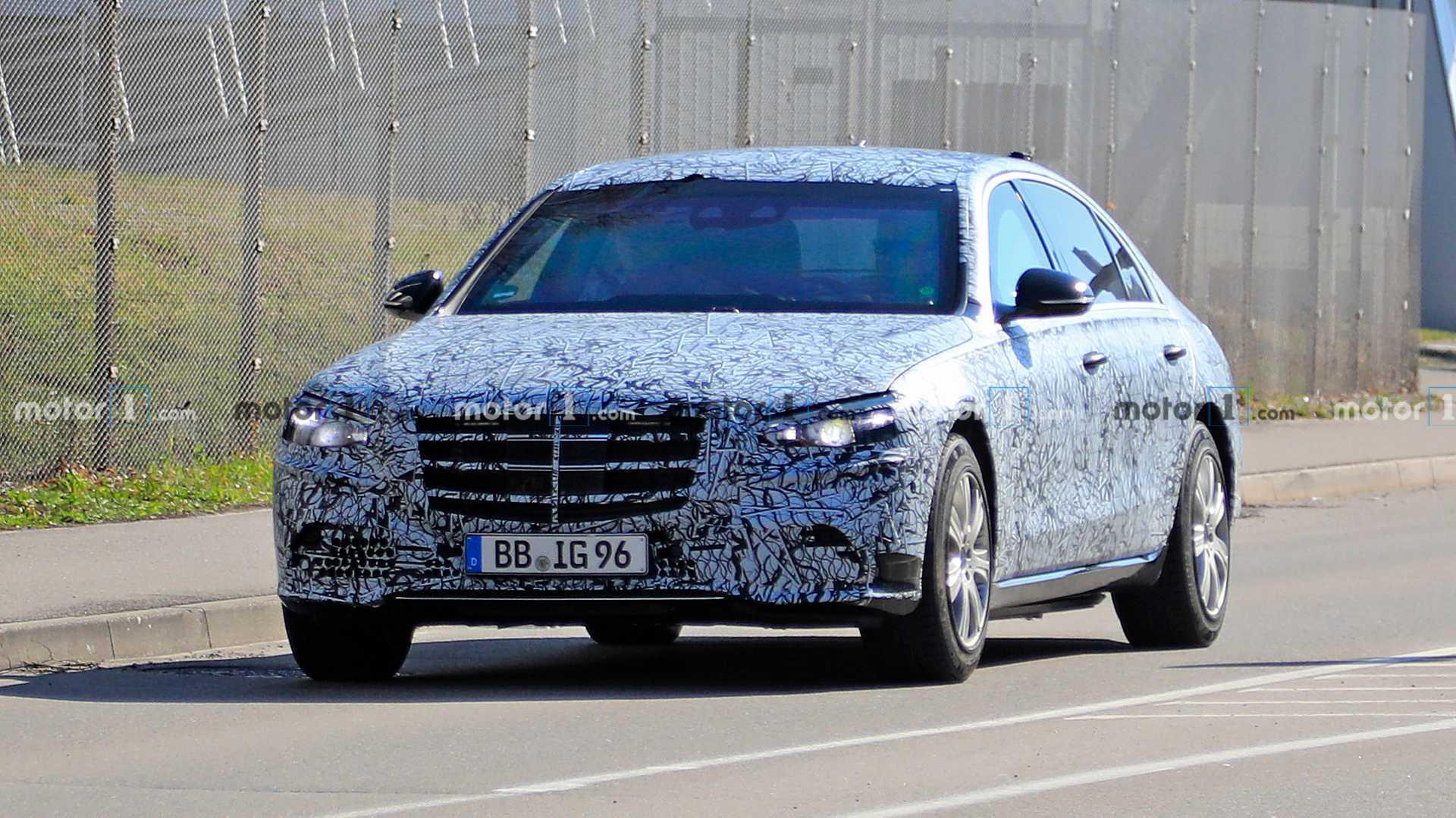 Mercedes S-Klasse Guard (2021) Erlkönig versteckt ...
