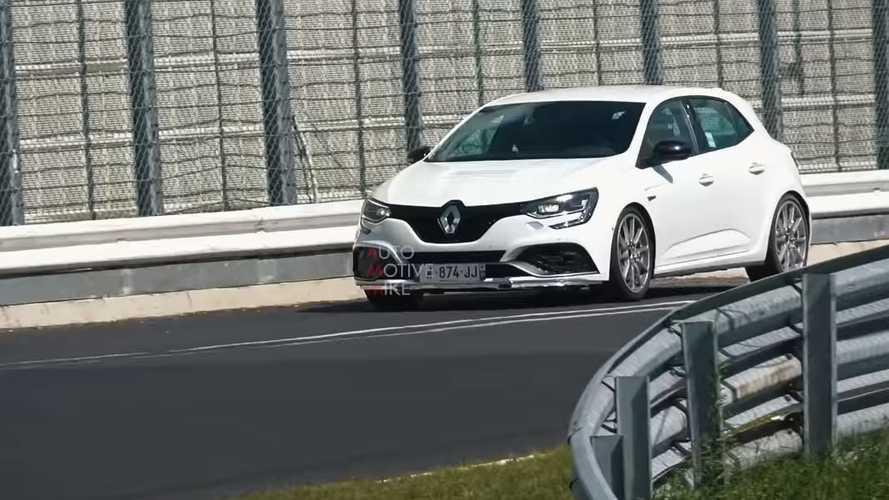 Renault, Megane RS ile bir tur rekoru peşinde mi?