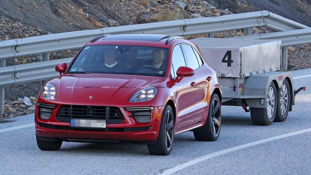 Porsche Macan Turbo photo espion