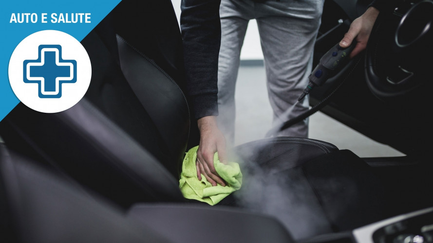 Abitacolo dell'auto covo di batteri, come eliminarli