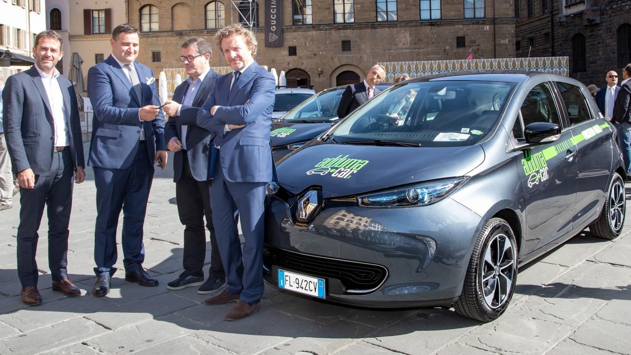 [Copertina] - Adduma Car, auto elettriche in condivisione a Firenze