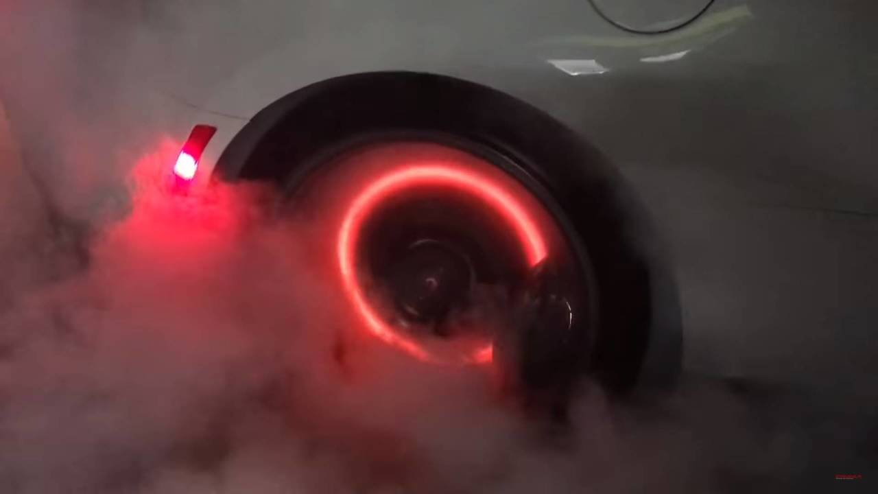 1000hp Chevrolet Camaro ZL1 burnout