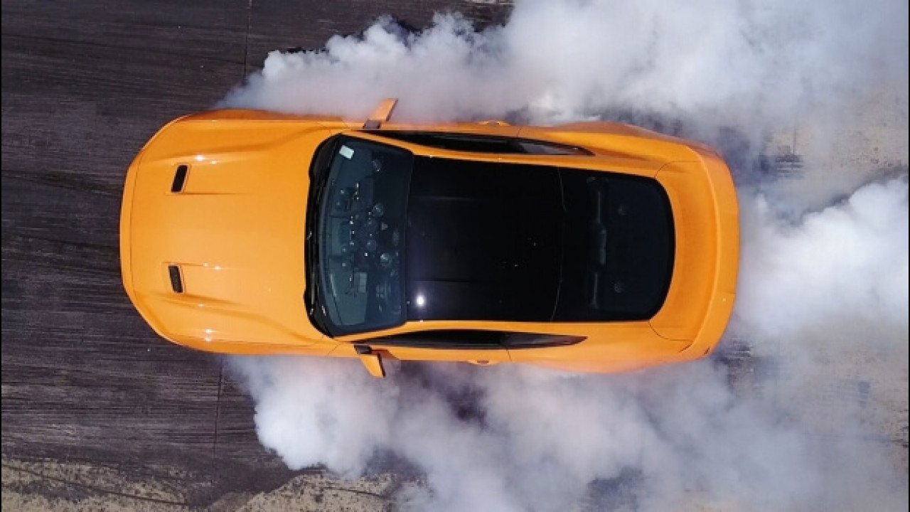 [Copertina] - Ford Mustang restyling, burnout più facile anche sull'EcoBoost [VIDEO]
