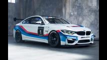 BMW M4 GT4, in gara con il sei cilindri di serie