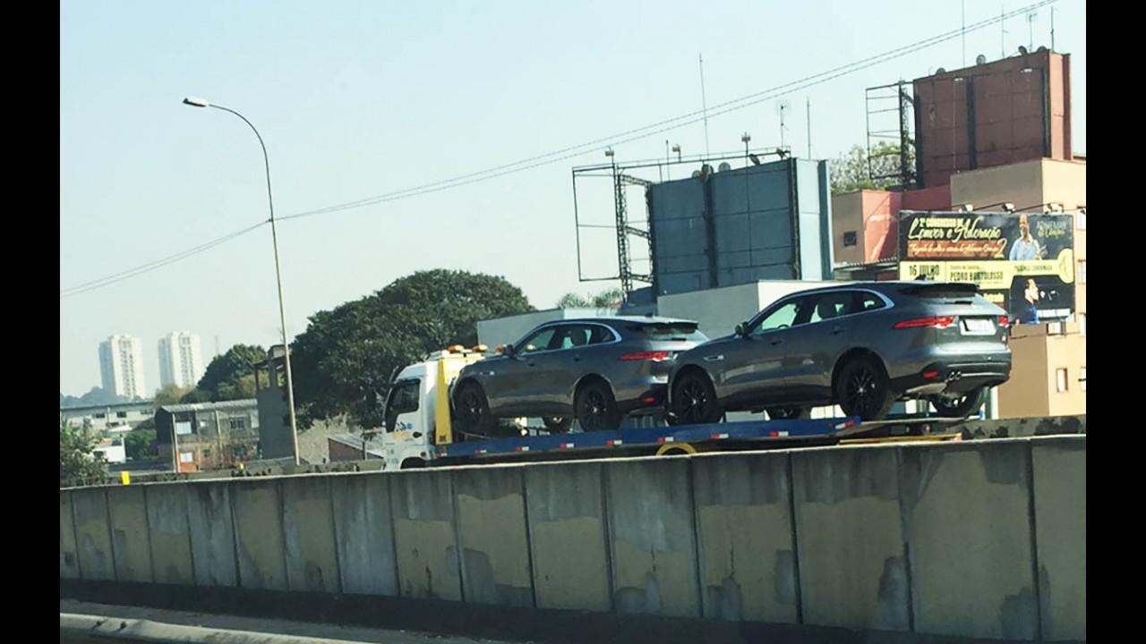 Flagra: Primeiro SUV da Jaguar, F-Pace já está a caminho das lojas brasileiras