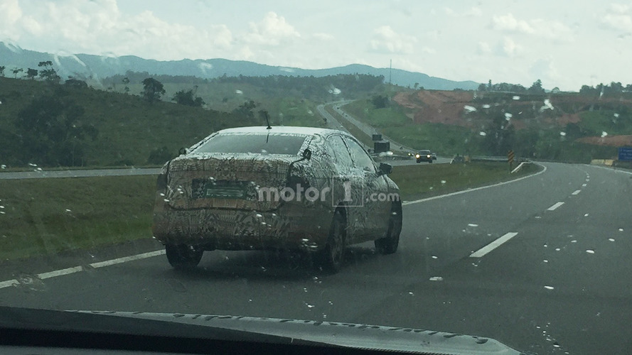 Volkswagen Polo Sedan prototipi yakalandı