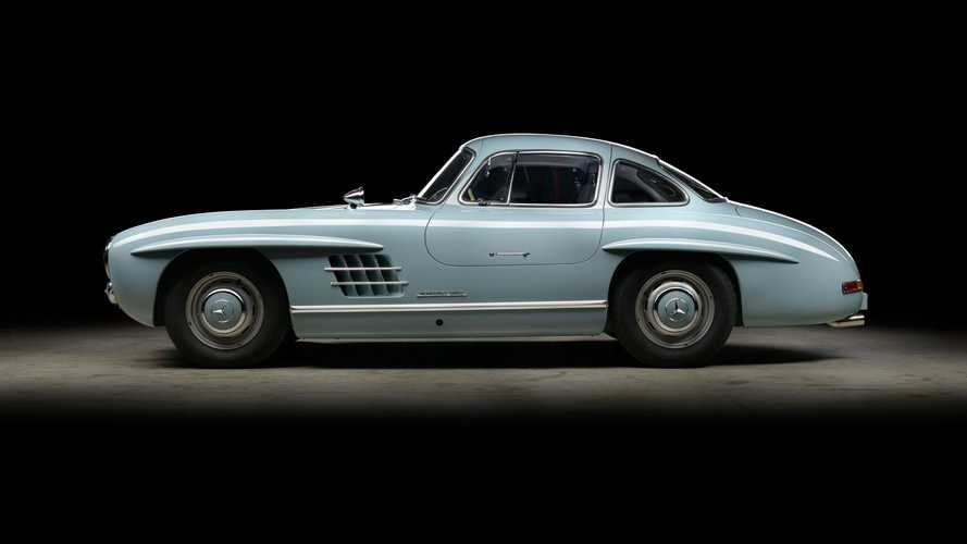 Gorgeous Mercedes 300SL Gullwing Restored To Perfection