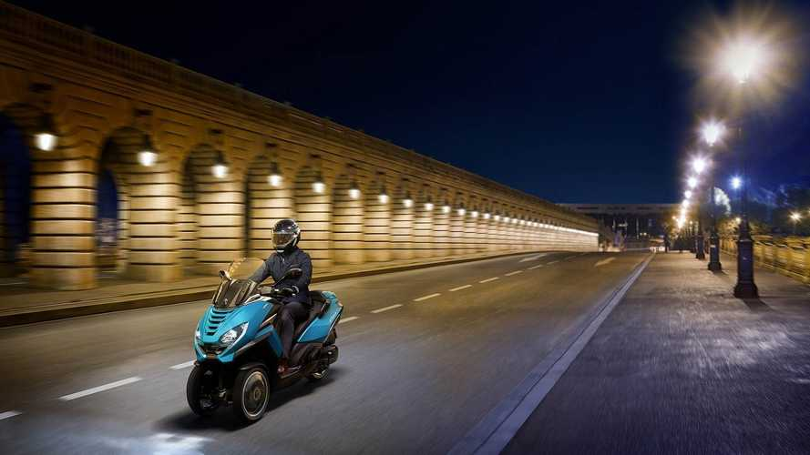 Moto e scooter a tre ruote: via libera per autostrade e tangenziali