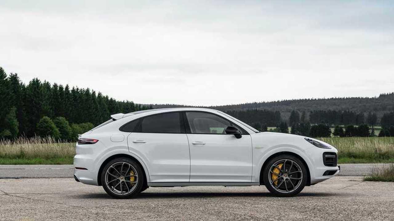 Гибридные Porsche Cayenne (2020)