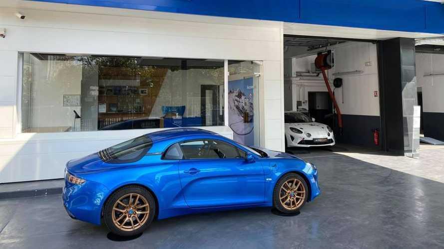 Le premier garage dédié aux propriétaires d'Alpine A110 ouvre