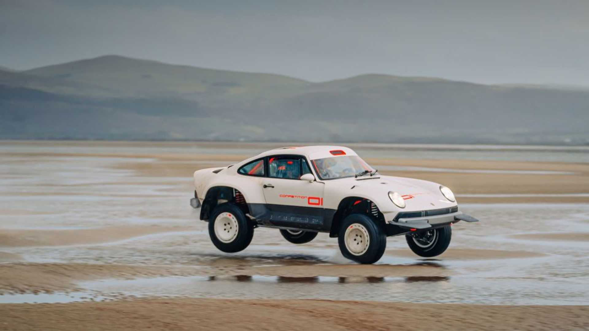 https://cdn.motor1.com/images/mgl/ErZjw/s6/singer-all-terrain-competition-study-porsche-911-safari-beach.jpg
