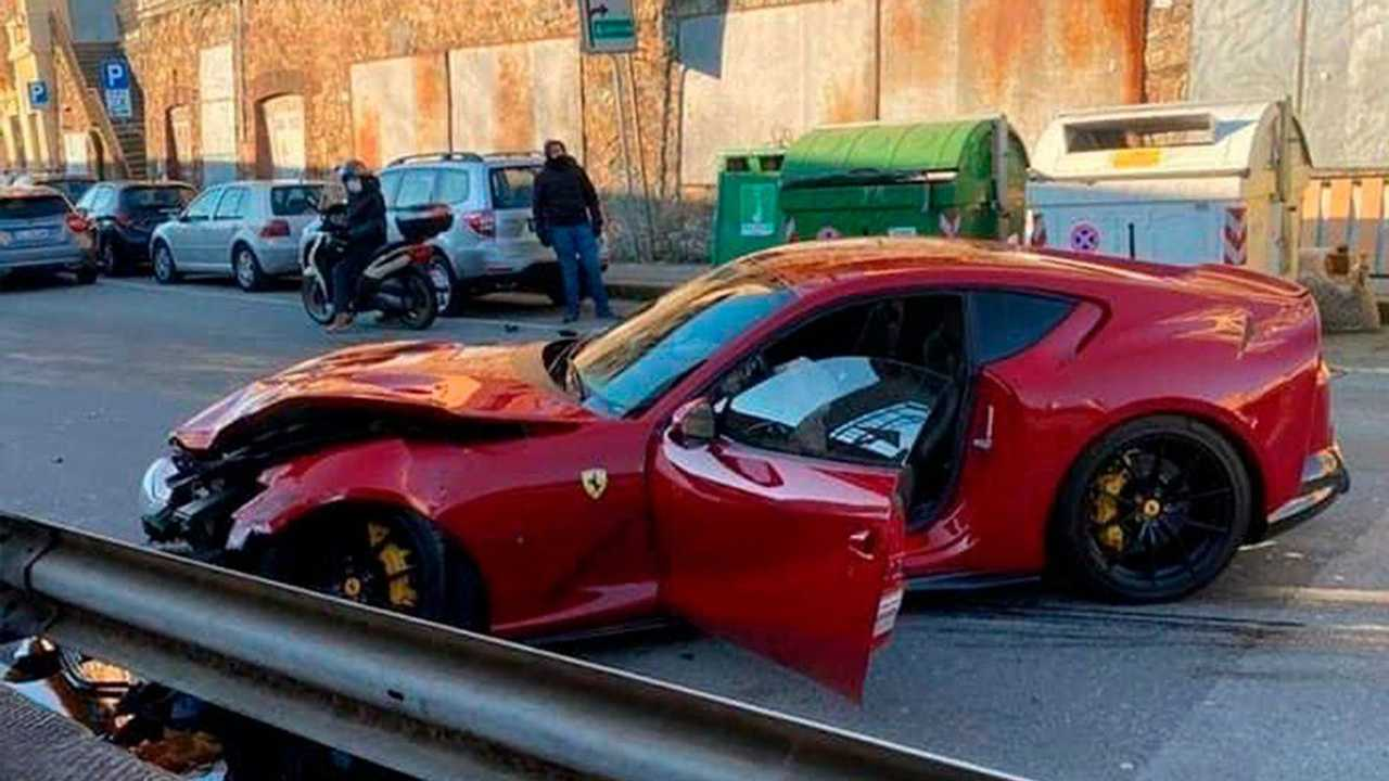 Crashed Ferrari 812 Superfast of Federico Marchetti