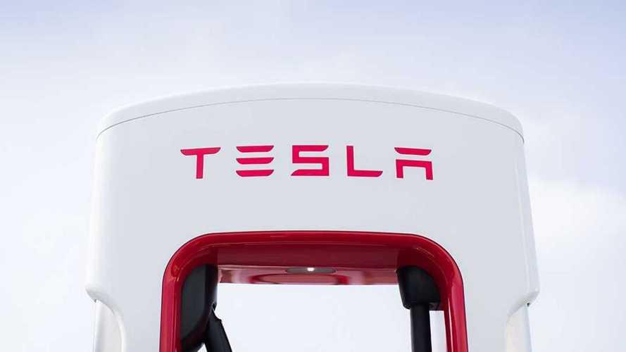 Il nuovo Tesla Supercharger V3 di Milano è entrato in funzione