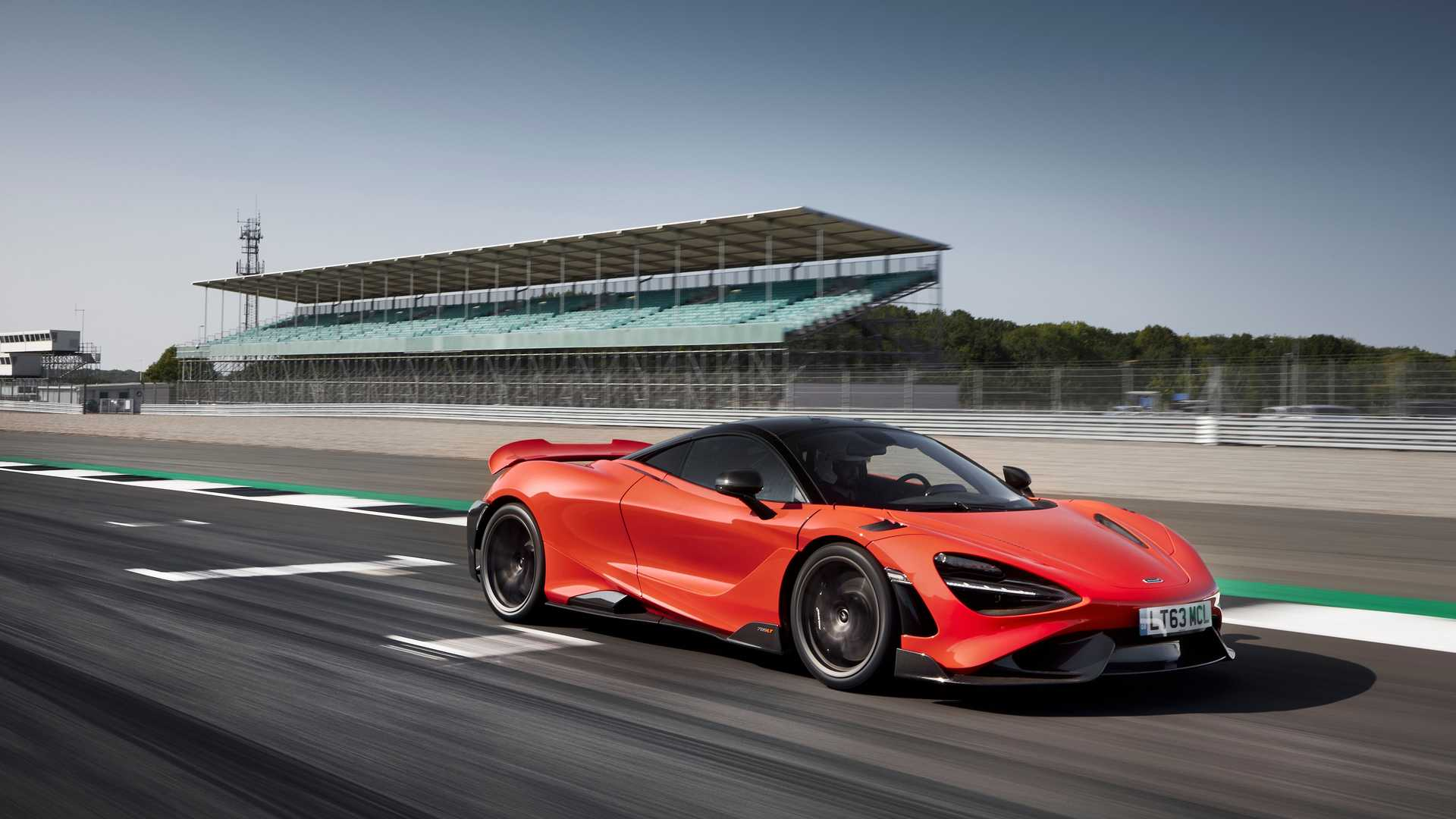 2021 McLaren 765LT front quarter dynamic fast
