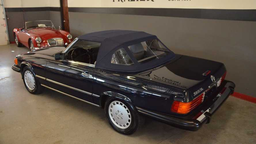 Dual-Top 1989 Mercedes-Benz 560SL Is A One-Owner Time Capsule