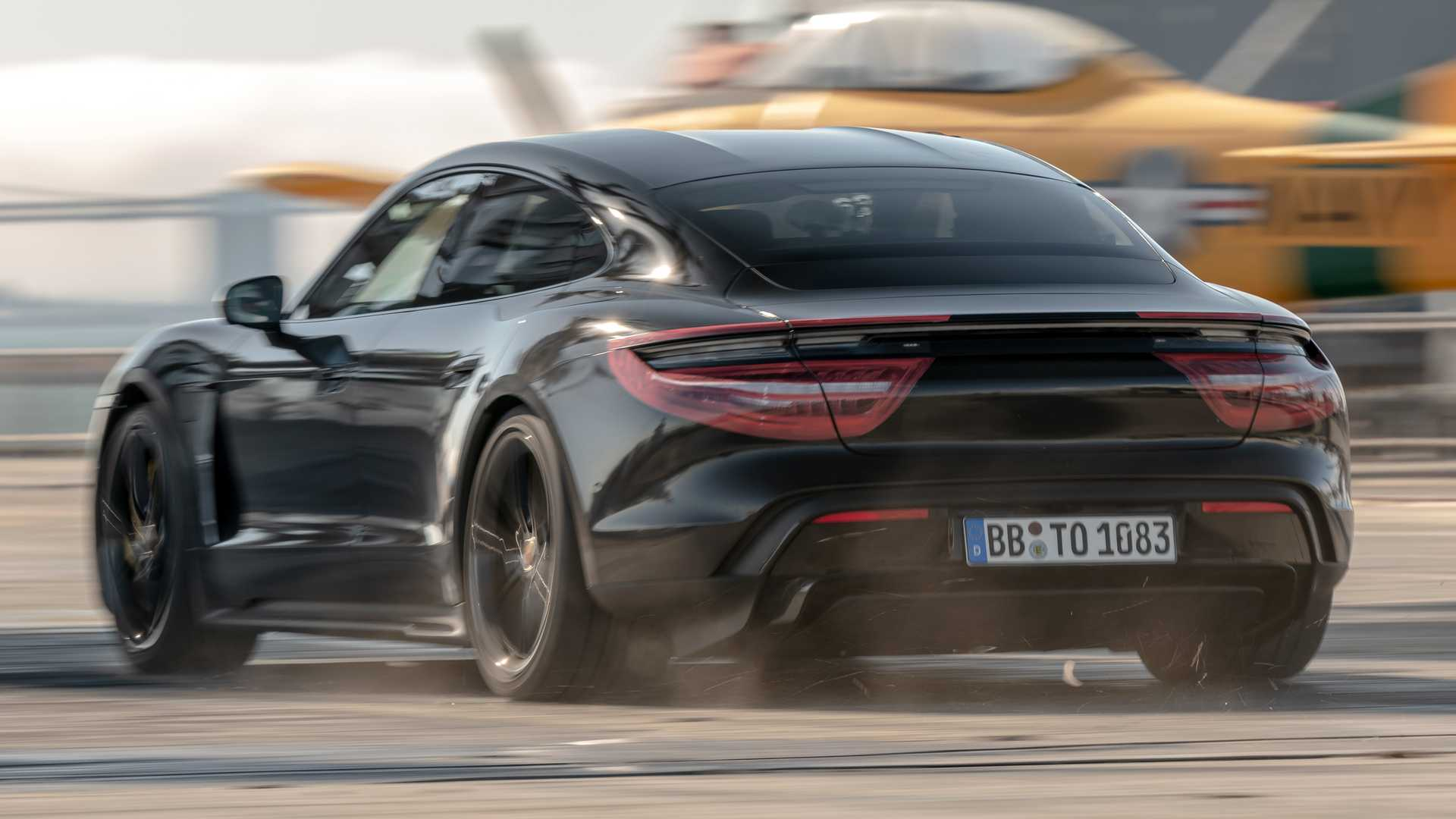 Porsche Taycan does 0-90-0 mph In 10.17 seconds on aircraft carrier
