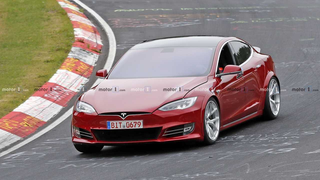 Tesla Model S Plaid spy photo