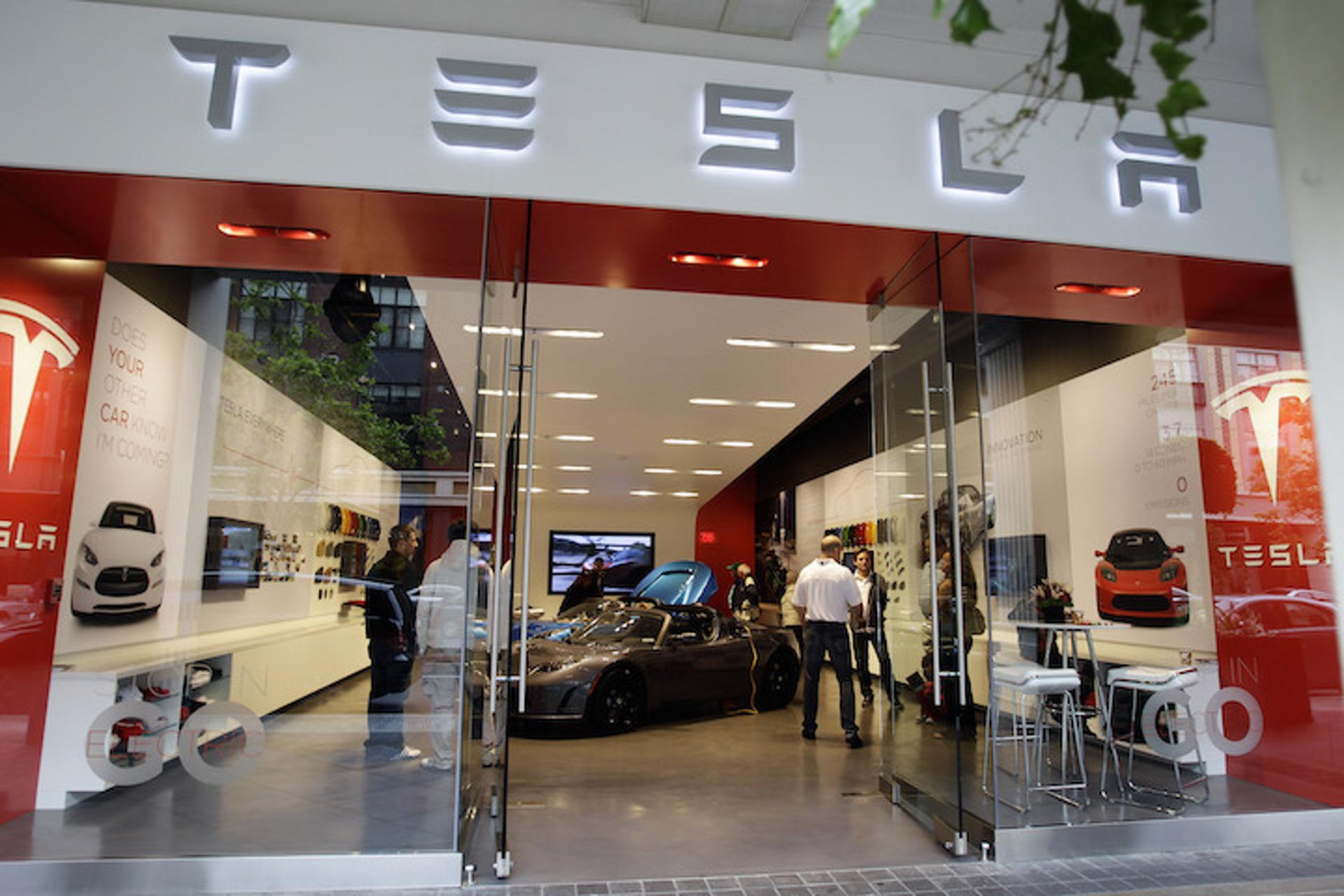 Missouri Looking to Ban Tesla Direct Sales, But Tesla Fights Back