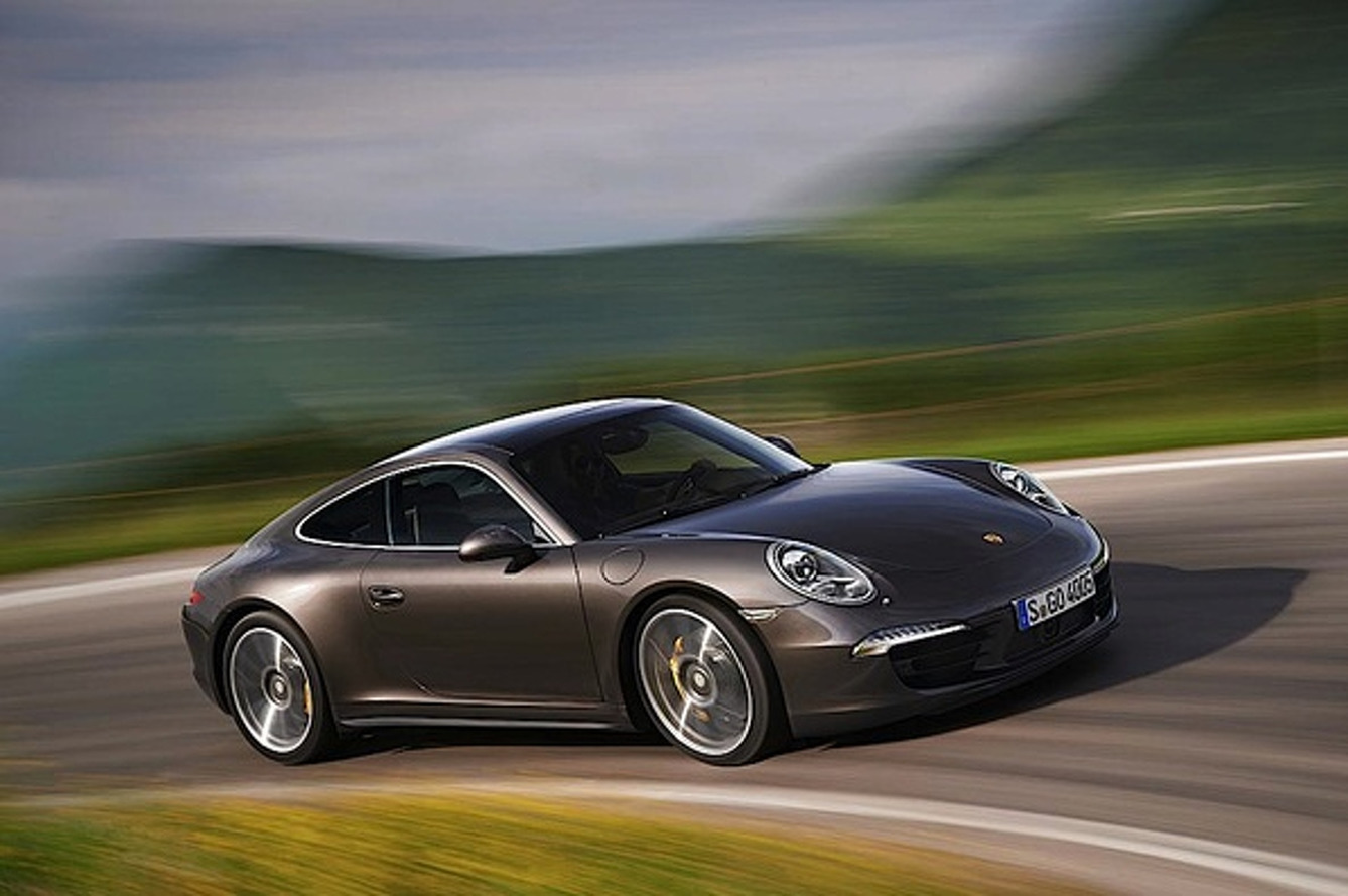 5 Reasons Why the 2013 Porsche 911 C4 is Fabulous as Usual
