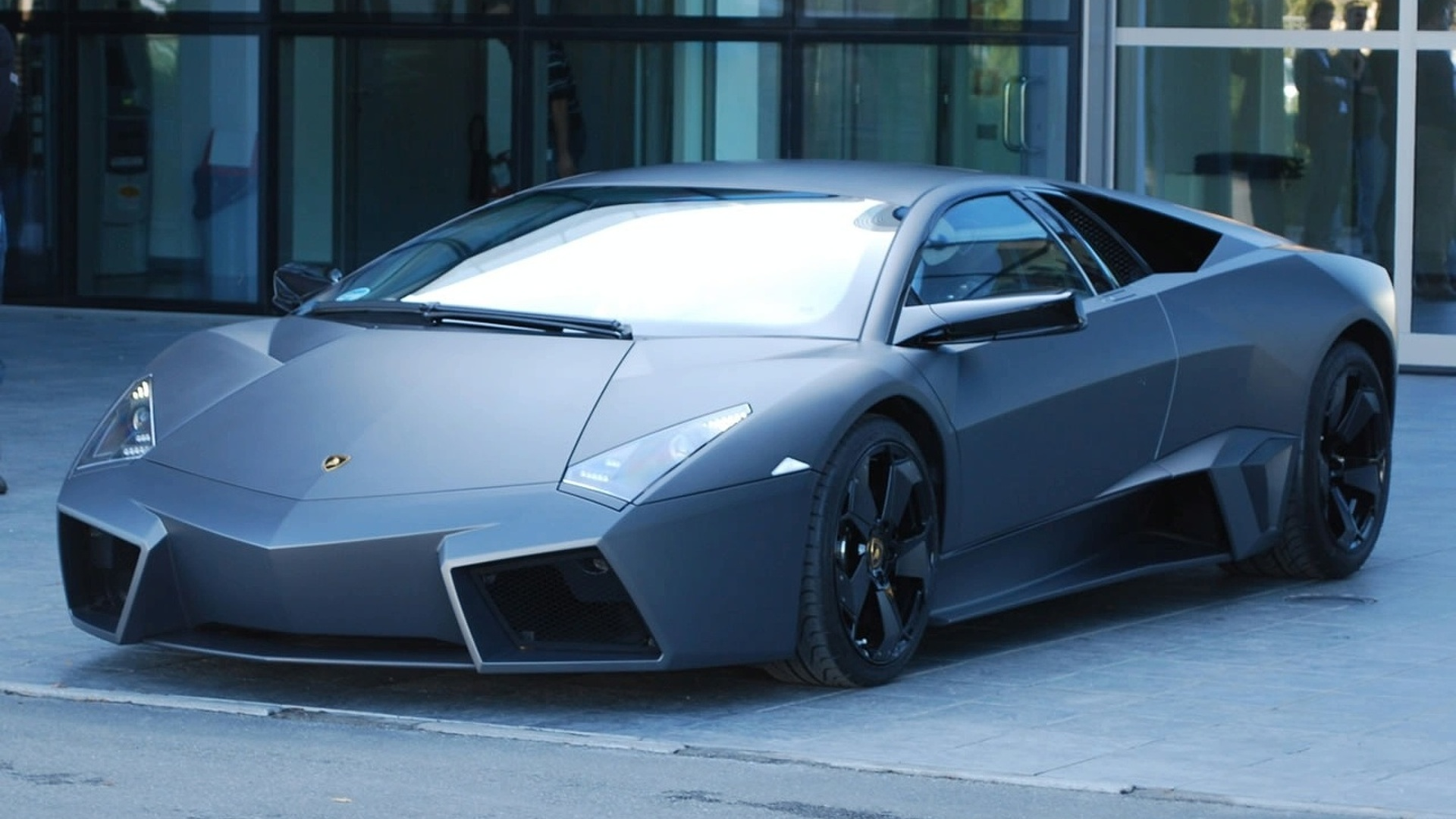 Lamborghini Reventon Roadster To Be Unveiled To Select Clients Today